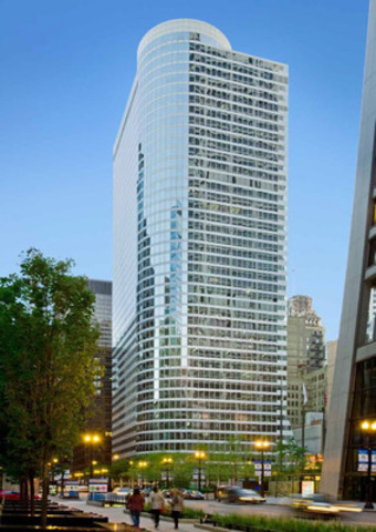 """John Hancock acquires 55 West Monroe, 40 story, Class """"A"""" office building in Chicago's Central Business District (CNW Group/Manulife Financial Corporation)"""