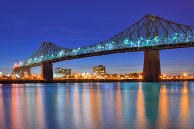 Découvrez les sons et lumières nocturnes de Montréal, la plus grande métropole du Québec! (Groupe CNW/Hotels.com)