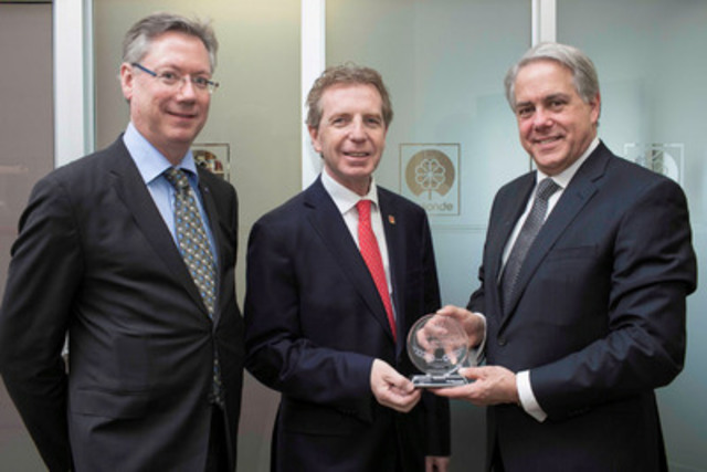 Community & Industry Leadership Award (left to right), Guy Barthell, Raymond Chabot Grant Thornton Partner in the Strategy and Performance Consulting Group, Jean Gattuso, President and Chief Operating Officer and President and CEO of A. Lassonde Inc. and Bernard Grandmont, Assurance Partner and Managing Partner of Raymond Chabot Grant Thornton's Brossard office. (CNW Group/RAYMOND CHABOT GRANT THORNTON)