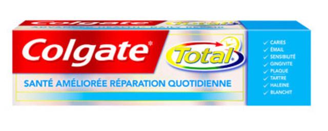 Le dentifrice Colgate Total* Santé améliorée Réparation quotidienne contribue à réparer les dommages précoces† aux dents et aux gencives pour une meilleure santé buccodentaire. (Groupe CNW/Colgate-Palmolive)