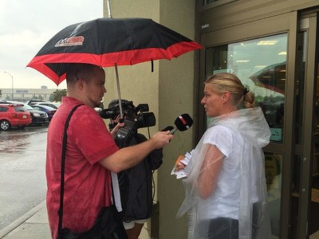 OPSEU local 162 president Jennifer Van Zetten speaking to press (CNW Group/Ontario Public Service Employees ...