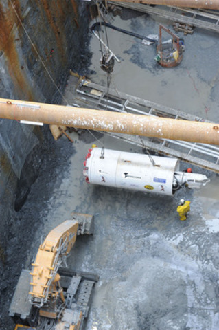 'Chip' being readied to begin boring second drift tunnel, which will form part of the crown over the pedestrian tunnel at Billy Bishop Toronto City Airport (CNW Group/Toronto Port Authority)