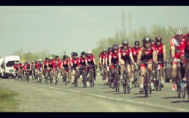 Cyclists of La Grande Traversée (CNW Group/Conseil scolaire francophone de la C.-B.)