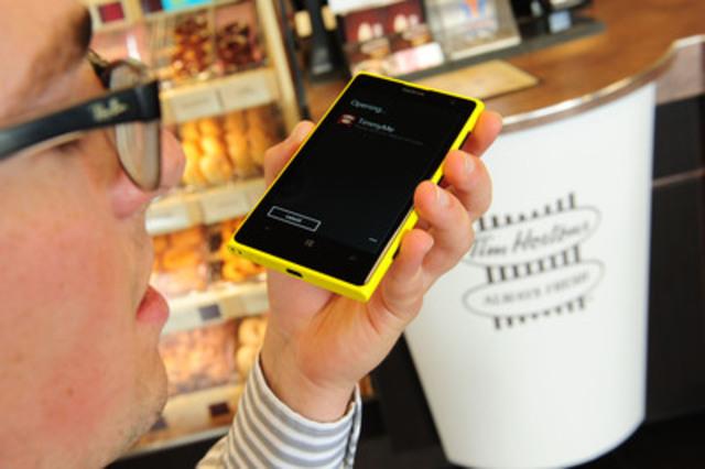 Tim Hortons annonce le lancement de l'application MesTim pour les appareils Windows 8, incluant des paiements mobiles par codes à barres à commande vocale dans les restaurants Tim Hortons partout au Canada et aux États-Unis. (Groupe CNW/Tim Hortons)
