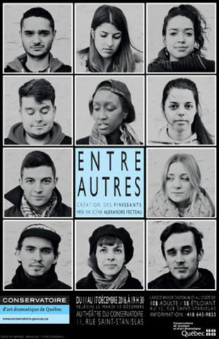 Photo : ENTRE AUTRES est une création théâtrale des 11 élèves finissants en Jeu du Conservatoire d'art dramatique de Québec, présentée du 11 au 17 décembre, à 19 h 30, au Théâtre du Conservatoire. (Groupe CNW/Conservatoire de musique et d'art dramatique du Québec)