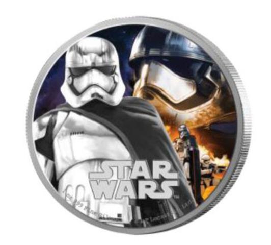 Vêtue d'une armure métallique unique, ce nouveau personnage de Star Wars™, Captain Phasma, dirige les légions de soldats du Premier Ordre. (Groupe CNW/Banque Canadienne Impériale de Commerce)