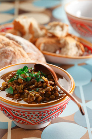 Moroccan Pulse Dip: For World Food Day 2016 (Copyright Chef Michael Smith) (CNW Group/Pulse Canada)