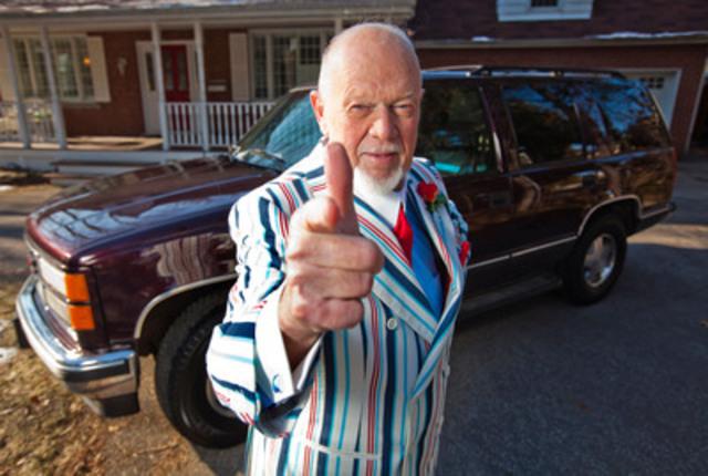 Don Cherry fait don de son véhicule au programme Auto-Rein afin d'appuyer une cause chère, le don d'organe (Groupe CNW/Fondation canadienne du rein)