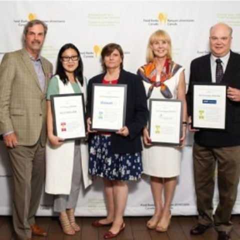 Food Banks Canada 2016 Award Recipients: Marc Guay (Food Banks Canada, Chair, Board of Directors), Jaylone Lee (BESTSELLER), Christine Bome (Walmart Canada), Brenda Brown (Compass Group Canada), George Klosler (Farm Credit Canada). (CNW Group/Food Banks Canada)