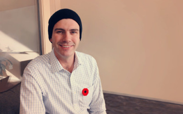 Mayor Don Iveson standing on guard for thee Canadian icon of the toque. (CNW Group/The Carbon Farmer Inc.)