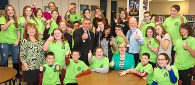 From right to left: Cynthia Fleet, Superintendent; Line Berube, Director, Eastern Canada, Call2Recycle; Robert Mitchell, Honourable Minister of Communities, Land and Environment; Sandra Abuwalla, Marketing Director, Call2Recyle; Jill Burry, Vice Principal, Stonepark School; Norman Beck, Principal, Stonepark School with the Green Team (CNW Group/Call2Recycle)