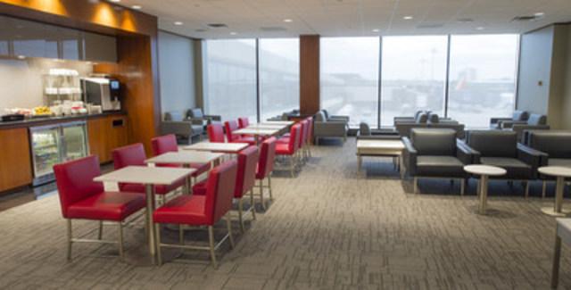 Ouverture d'un tout nouveau salon Feuille d'érable d'Air Canada à l'aéroport de Newark (Groupe CNW/Air Canada)