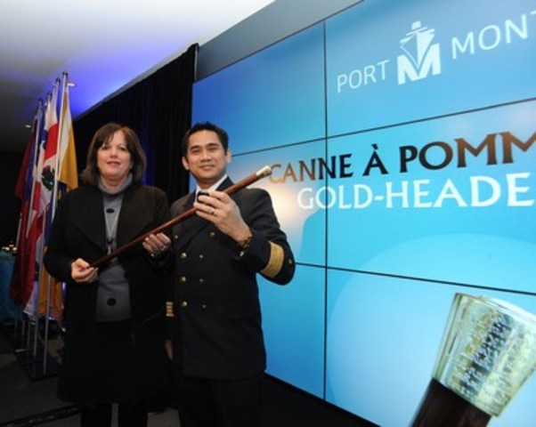 Ms. Sylvie Vachon, President and CEO, Montreal Port Authority and Captain Jun Eric Aljo Dalipe, Master of the Vigorous, first ocean-going vessel in port in 2016. (CNW Group/PORT OF MONTREAL)