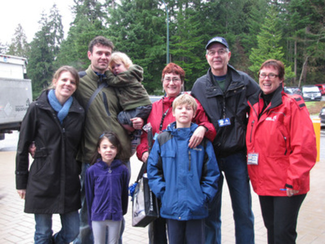 Vancouver Aquarium one millionth visitor this year and lifetime member, Andrew Dmitruk, and his family who are also Aquarium members (Vancouver Aquarium). (CNW Group/Vancouver Aquarium Marine Science Centre)