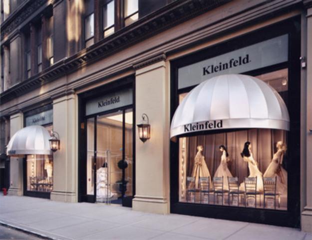 La marque Kleinfeld Bridal, connue partout dans le monde, fait son entrée au Canada au magasin La Baie d'Hudson de la rue Queen à Toronto. (Groupe CNW/Compagnie de la Baie d'Hudson)