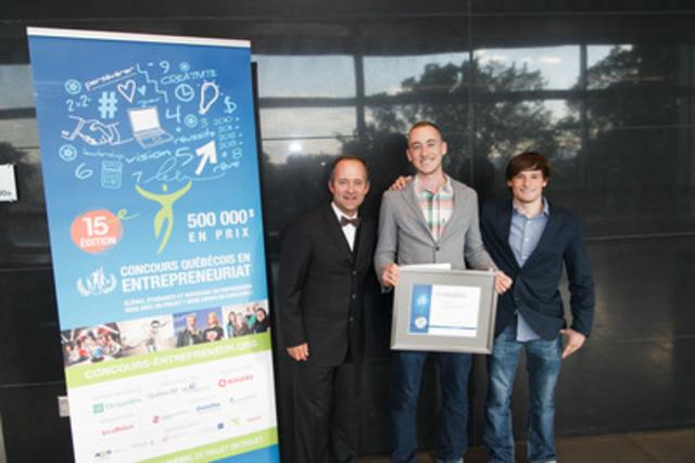 François Sansregret, directeur du Bureau de projets à Ingenio, Philip Barclay et Samuel Dion-Girardeau, deux des quatre fondateurs de YourExtraLife. (Groupe CNW/Loto-Québec)