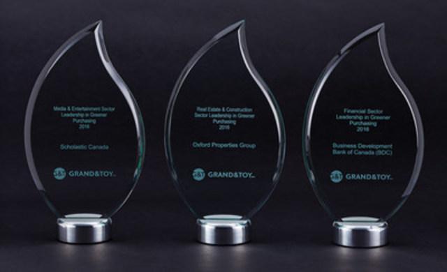 Le nom des gagnants des premiers prix annuels Leadership in Greener Purchasing de Grand & Toy représentant divers secteurs dans l'ensemble du Canada, ont été annoncés le 21 avril 2015 (Groupe CNW/Grand & Toy)