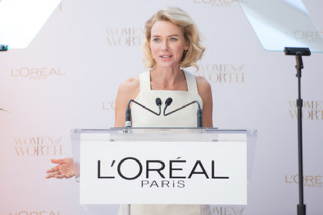 In Toronto for TIFF, actress Naomi Watts spoke at a glamourous media event announcing the launch of L'Oréal Paris' Women of Worth grant award program. (CNW Group/L'Oreal Paris)