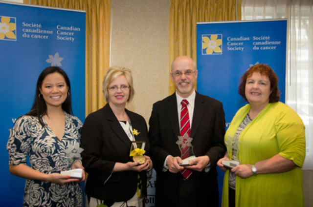 (from left to right) Diana Nguyen, Pantene Canada, Lori-Synes-Taraba, Dr. David Malkin, Heather Sinardo, CancerConnection.ca/ParlonsCancer.ca (CNW Group/Canadian Cancer Society (National Office))