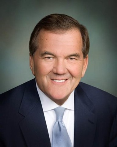 Governor Tom Ridge, First U.S. Secretary of Homeland Security, delivers keynote address at the CCPPP National Conference November 15, 2016 (CNW Group/Canadian Council for Public-Private Partnerships)