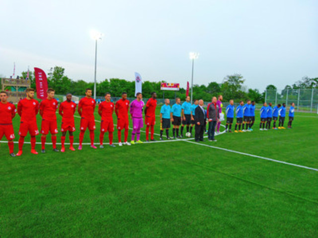TFC II home opener in Vaughan with TFC II and Mayor Bevilacqua. (CNW Group/City of Vaughan)