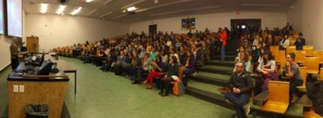 Le 3 mars 2016, la ministre McKenna a prononcé un discours sur le thème « les changements climatiques : les sciences et la société » devant des étudiants de l'Université de la Colombie-Britannique, à Vancouver, en Colombie-Britannique. (Groupe CNW/Environnement et Changement climatique Canada)