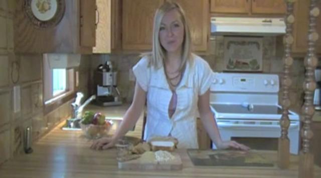 Geneviève précise la différence entre «multigrain» et «grains entiers».