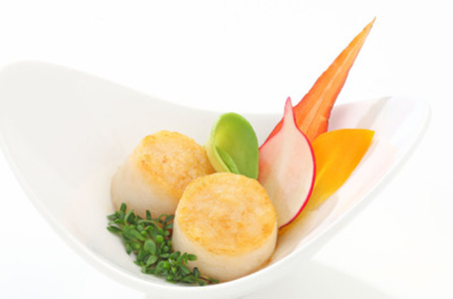 Clearwater launches Scallop Selects, a value alternative to sea scallops for foodservice operators and consumers (CNW Group/Clearwater Seafoods Incorporated)