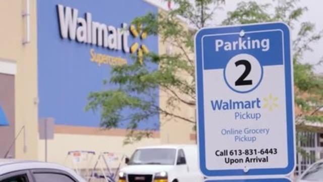 Vidéo : À compter du 3 juillet, les clients de la région d'Ottawa pourront commander en ligne une grande variété de produits d'épicerie et les ramasser dans l'un des 11 magasins de la région. Les clients profiteront ainsi de l'offre de produits d'épicerie frais de première qualité à des prix imbattables de Walmart, et un associé s'occupera de réunir leurs commandes pour eux.