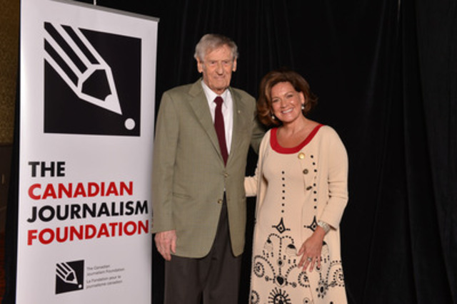 Michael Maclear, broadcast journalist, war correspondent and independent filmmaker, accepted the Lifetime Achievement Award at the 16th Annual Canadian Journalism Foundation Awards. Lisa LaFlamme, chief anchor and senior editor of CTV National News, presented the award. (CNW Group/Canadian Journalism Foundation)