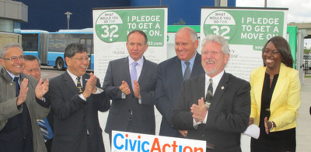 """Richmond Hill Mayor Dave Barrow at CivicAction's """"Your32 Pledge to Get a Move On"""" signing (CNW Group/CivicAction)"""