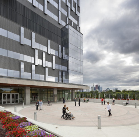 Accessible spaces for patients and public (Photo Credit: Tom Arban) (CNW Group/Sinai Health System)