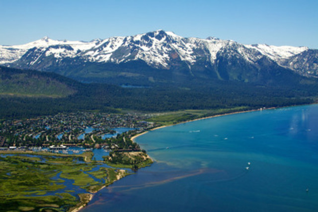 Que vous vouliez voyager pour le soleil ou pour la neige, South Lake Tahoe a plusieurs attractions pour satisfaire les voyageurs. (Groupe CNW/Hotels.com)