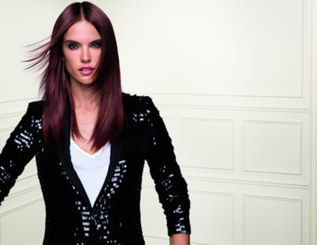 Brazilian supermodel, Alessandra Ambrosio, will be the face of L'Oréal Professionnel's new DIARICHESSE HI-VISIBILITY (CNW Group/L'Oréal Professionnel)