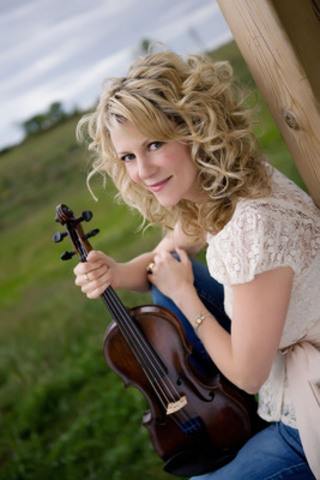 Nathalie MacMaster will perform on the Atlantic Lottery/Red Shores Mainstage on July 4, 2014 during Nova Scotia Week in the PEI 2014 Celebration Zone. (CNW Group/Prince Edward Island 2014 Inc.)